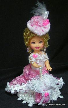 OOAK Kelly doll by Fashionfanfair Barbie Kids, Baby Barbie, Barbie Stuff, Barbie Clothes Patterns, Doll Patterns, Doll Clothes, Barbie Kelly, Barbie And Ken, Half Dolls