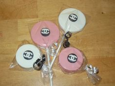 designer chocolate lollipops and chocolate covered oreo's