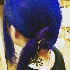 WEBSTA @ yuku0504 - 今回のお客様が雑貨屋さんで働いていてそこのかんざしで自身で留めてましたがヴァイオレットが出てきてとっても◎#カラーモデル#カラーモデル募集中#美容室#美容師#中野坂上#派手髪#ダブルカラー#マニックパニック#blue#parple#bluehair#parplehair#haircolor#気になったらフォローお願いします #clesc