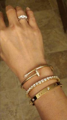 Jewelry Making Tools Cartier bracelets. Cute Jewelry, Gold Jewelry, Jewelry Box, Jewelery, Jewelry Accessories, Jewelry Design, Women Jewelry, Fashion Jewelry, Designer Jewelry
