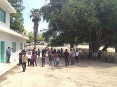 En el patio, realizando una dinámica. Fotos de nuestro taller mensual AESPAC del 4 de mayo del 2013 | Asociación Ecológica de la Sierra Picachos en Nuevo León