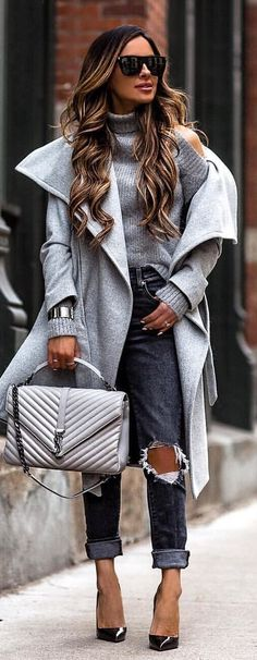 #spring #outfits gray turtleneck cold-shoulder coat. Pic by @miamiamine