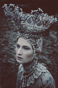 Brilliant Costumes by Agnieszka Osipa - not exactly Irish Lace i know but it is incredibly beautiful so i just had to repin it!