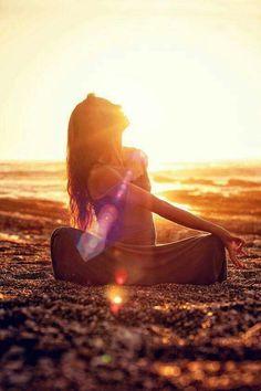 """""""Todo cura, todo sana, cada persona llega a tiempo, cada lugar del universo es perfecto, cada uno es el tejido y el tejedor"""""""