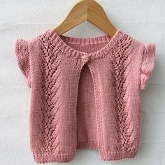 Go Handmade Vest Lace - Køb billigt her Baby Cardigan Knitting Pattern Free, Baby Hats Knitting, Knitting For Kids, Easy Knitting, Knitting Patterns Free, Crochet Hat For Beginners, Baby Couture, Baby Vest, Lace Patterns