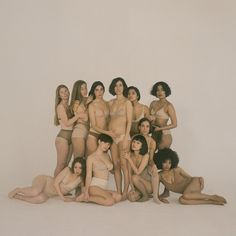 A special collaboration with the photographer Carlota Guerrero, a performance artist working through the naturalness of the feminine body. Body Photography, Creative Photography, Fashion Photography, Oysho Lingerie, Artist At Work, Girl Power, Breastfeeding, Character Inspiration, Maternity
