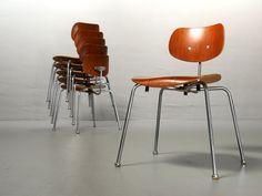 Fantastische Egon Eiermann Stühle SE 68 von Wilde+Spieth. Modelle der 60er Jahre