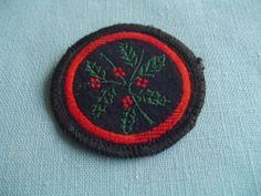UK Girl Guide Patrol Badge - Pre 1967 - HOLLY PATROL | eBay Sew On Badges, Pin Badges, Guide Badges, Girl Guides, Scouting, Girl Scouts, Aunt, My Girl, Brownies