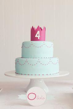 PRA SUSPIRAR E SE INSPIRAR... bolo de princesa! via http://www.lil-sugar.ca/