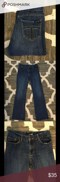 "7 For All Mankind Bootcut Jeans Size 10 Regular Bootcut .. Inseam is 31""... great condition 7 For All Mankind Jeans Boot Cut"