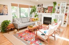 House Tour: A Cheery, Patterned Oasis in California — Apartment Therapy House Tour: A Cheery, Patter Mid Century Living Room, Home Living Room, Apartment Living, Living Room Designs, Apartment Therapy, Apartment Backyard, Bright Living Room Decor, Retro Living Rooms, California Apartment