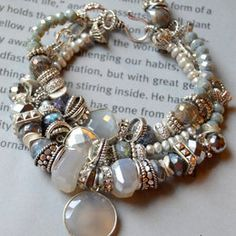 Pearl Bracelet Ideas & Collections