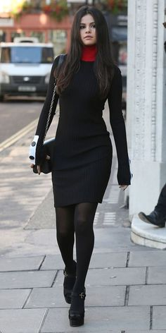 style Selena Gomez street - Selena Gomez Winter Street Style: Loads of Outfit Ideas Style Selena Gomez, Selena Gomez Black Dress, Selena Gomez Body, Selena Gomez Face Shape, Selena Gomez Clothes, Selena Gomez Long Hair, Selena Gomez Outfits Casual, Selena Gomez Hairstyles, Selena Gomez Shoes
