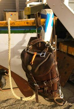 Vertical Swiss Army packsaddle by Men A Werro.