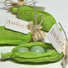 baby shower favor with Sixlets and crepe paper
