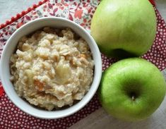 Овсяная каша с жареными яблоками Oatmeal, Breakfast, Recipes, Food, Breakfast Cafe, Rezepte, Essen, Recipe, Yemek