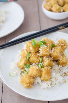 Honey Garlic Baked Tofu, better than takeout! Crispy baked tofu nuggets in a sweet garlic sauce. Perfect over brown rice or steamed vegetables. Vegetarian and Gluten-Free. Tufo Recipes, Veggie Recipes, Asian Recipes, Vegetarian Recipes, Cooking Recipes, Healthy Recipes, Recipies, Tofu Stir Fry, Crispy Tofu
