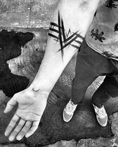 "2,937 Likes, 15 Comments - Inez Janiak (@ineepine) on Instagram: ""#blacktattoomag #blacktattooart #btattooing #darkartists #inkstinctsubmission #equilattera #tattoo…"""