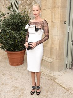 Dior Parfums invited 200 people on Monday, for a majestic dinner under the pergola of Christian Dior's former residence, the Château de la Colle Noire, recently re-purchased and renovated by the house. With attendees including Charlize Theron, Bella Hadid, Aurélie Dupont, Malgosia Bela and Pierre Niney, relive an elegant evening in pictures.