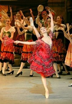 "<<Svetlana Zakharova (Bolshoi Ballet) as Kitri in #Don Quixote"">>"