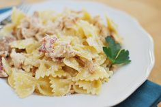 Crockpot Garlic Chicken Farfalle - my family loves this delicious pasta recipe! And it's so easy!
