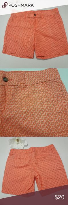 """Tommy Hilfiger women's Orange shorts 100%cotton Sz ♡ Size: 4  ♡Color: yellow, white and orange  ♡ Two front pockets  and two back pockets  ♡ Waist: ~15.5""""  ♡Length: ~14.5""""  ♡Inseam:~6.5""""  ♡Rise: 8""""   ♡Due to studio lighting, product be may lighter or darker in pictures.  Bundle 2 or more items in my closet to save 10% and pay only ONE shipping fee!!! A-3 Tommy Hilfiger Shorts Bermudas"""