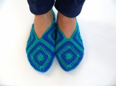 Golden Heart Crafts: Slippers - Turquoise / Blue, Slippers and Legwarmers Golden Heart, Heart Crafts, Blue Slippers, Turquoise, Shoes, Fashion, Moda, Zapatos, Shoes Outlet