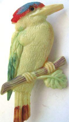 Occupied Japan Celluloid Plastic Woodpecker Bird Brooch Bird Jewelry, Plastic Jewelry, Vintage Birds, Vintage Stuff, Vintage Brooches, Vintage Jewelry, Bird Costume, Plant Fibres, Art Deco Period