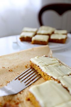 Porkkanakakku  |  Carrot cake Veggie Recipes, Carrots, Veggies, Carrot Cakes, Bread, Desserts, Food, Tailgate Desserts, Vegetable Recipes