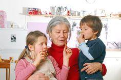 Los abuelos fomentan la dieta mediterránea en los niños