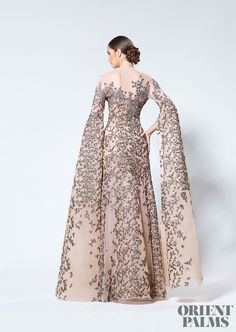 """What Sansa Stark would wear """"Antonios Couture, Fall 2016 """" Special Dresses, Nice Dresses, Formal Dresses, Wedding Dresses, Hijab Fashion, Fashion Dresses, The Dress, Beautiful Gowns, Dress To Impress"""