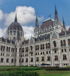 Beautiful Budapest  #traveltimes #travelbudapest #placetovisit #budapest #beautifulplacetovisit #budapestparliamentbuilding #budapestparliament