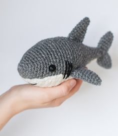 ******PLEASE NOTE: THIS IS A DIGITAL CROCHET PATTERN, NOT THE FINISHED ANIMAL******  Create your own adorable shark in just a couple hours! This easy-to-follow pattern includes one PDF file (4 pages long) with detailed instructions on how to crochet and assemble all the parts to make this shark. Only basic crocheting skills will be needed: chain, single crochet, increasing and decreasing. Difficulty: Easy  Materials needed: Crochet hook size: G/4.00mm Worsted weight yarn: Gray, white, bl...