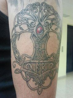 Thors hammer and tree of life