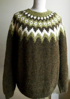 Icelandic wool sweater by on Etsy Source by artjak Sweaters Icelandic Sweaters, Wool Sweaters, Pullover Mode, Sweater Making, Sweater Fashion, Baby Knitting, Knitted Hats, Knitwear, Women Wear