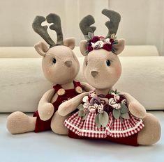 1 million+ Stunning Free Images to Use Anywhere Christmas Decorations Sewing, Mary Christmas, Felt Christmas Ornaments, Diy Christmas Ornaments, Towel Animals, Napkin Decoupage, Free To Use Images, Felt Diy, Crafty