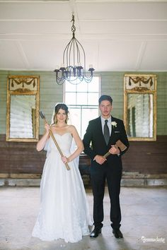 Quirky wedding poses