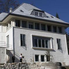 White House Le Corbusier / Maison Blanche Le Corbusier    @ La Chaux-de-Fonds Le Corbusier, Grand Hotel, Architecture Design, Place, House Styles, Home Decor, Whitewash, Home, Architecture Layout