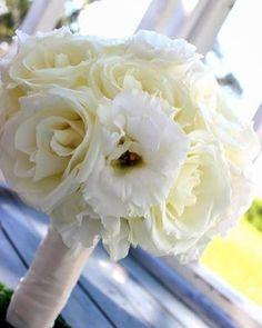 Happy belated anniversary to Courtney our bride from October 2015!  #thefloralcottageflorist #bridalbouquet #flashbackfriday #louisianaweddings #whiteflowers #batonrougewedding #ascensionweddings