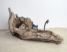 Driftwood Projects, Driftwood Art, Beach Crafts, Diy Home Crafts, Rainy Day Crafts, Sea Glass Crafts, Art N Craft, Miniature Crafts, Wood Creations