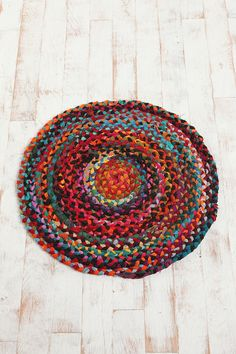 "36"" Round Chindi Braided Rug.  Great colors.  Love the vintage and rustic feeling of  this rug."