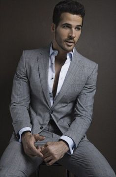 Medium grey suit for men with striped shirt ⋆ Men's Fashion Blog - #TheUnstitchd