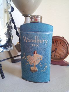 Vintage Woodbury Talc Tin perfect for Mother's by RefinedRefaire