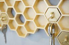 Porta chaves em forma de colméia