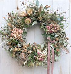 Dried Flower Wreaths, Wreaths And Garlands, Xmas Wreaths, Dried Flowers, Deco Floral, Arte Floral, Wreath Crafts, Diy Wreath, Diy Wanddekorationen