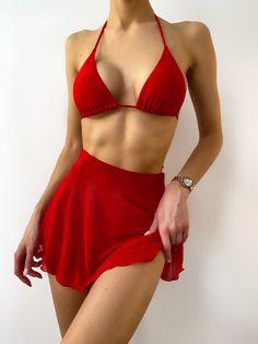 Bikini Rot, Thong Bikini, Halter Bikini, Red Swimsuit, Swimsuit With Skirt, Red Bikini Set, Modelos Fashion, Beach Skirt, Swimwear Cover Ups