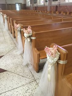 simple, more beautiful, I liked Simple Church Wedding, Wedding Pews, Wedding Isles, Wedding Entrance, Flower Bouquet Wedding, Rose Wedding, Wedding Isle Decorations, Shabby Chic Wedding Decor, Deco Floral