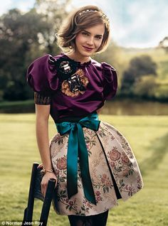 Emma Watson on Teen Vogue. Reminds me what my sister Olivia's style. Keep it original Livie Emma Watson Linda, Style Emma Watson, Emma Watson Belle, Emma Watson Estilo, Emma Watson Pics, Lucy Watson, Emma Watson Beautiful, Emma Watson Sexiest, Teen Vogue