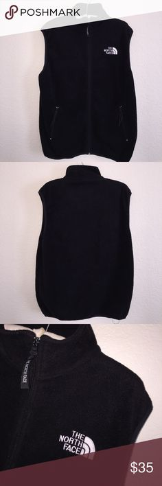 North Face Men's Fleece Vest Size XXL men's. Great condition, gentle wash wear. Color is black Fleece. Feel free to ask any questions! No trades sorry, & offers thru the offer button only! 😊x North Face Jackets & Coats Vests