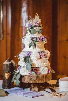 Gorgeous Wedding Cake Fresh Flowers Combo You Will Love – Bridezilla Flowers Wedding Cake Fresh Flowers, Beautiful Wedding Cakes, Forest Wedding, Wedding Day, Wedding Cake Photos, Offbeat Bride, Floral Theme, Bridezilla, Edible Flowers